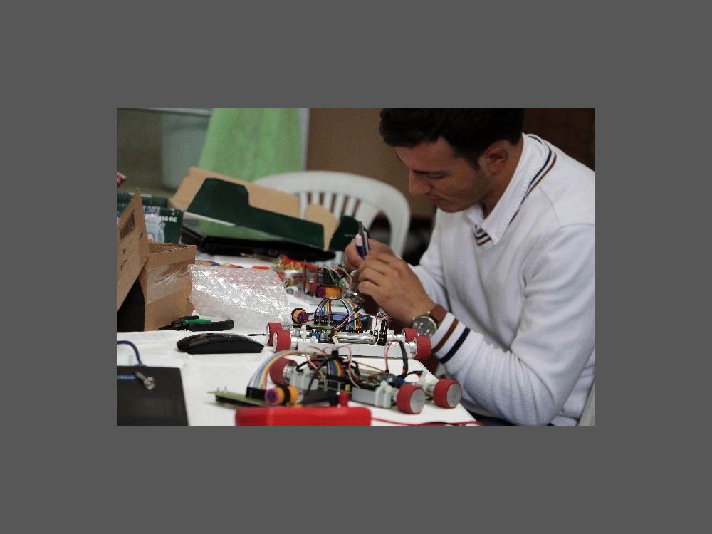Kbü'de 'üçüncü Ulusal Saf-run Robot Yarışması'